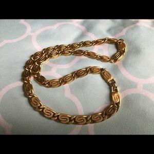 Vintage Monet Byzantine goldtone necklace 🤩💋